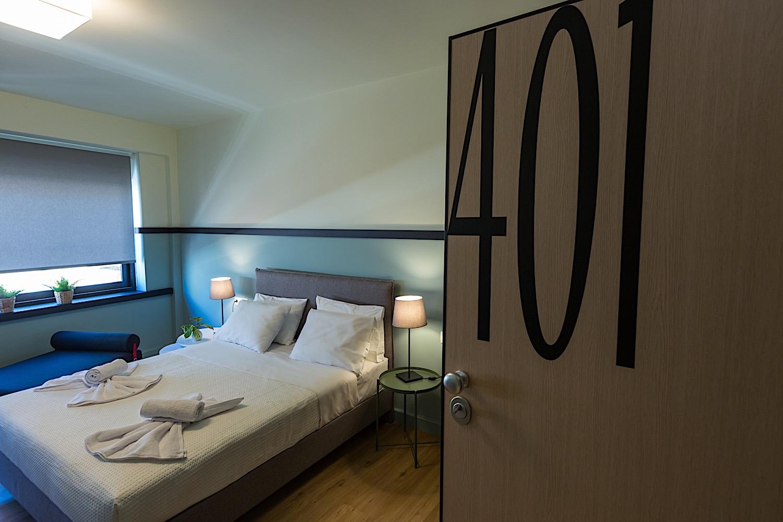 Δωμάτιο 401